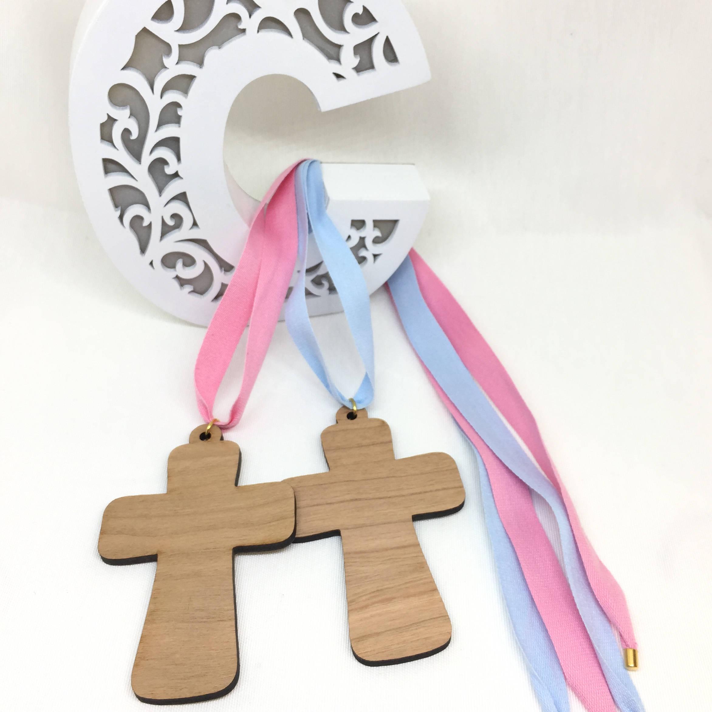 Colgante cruz madera con cinta algodon