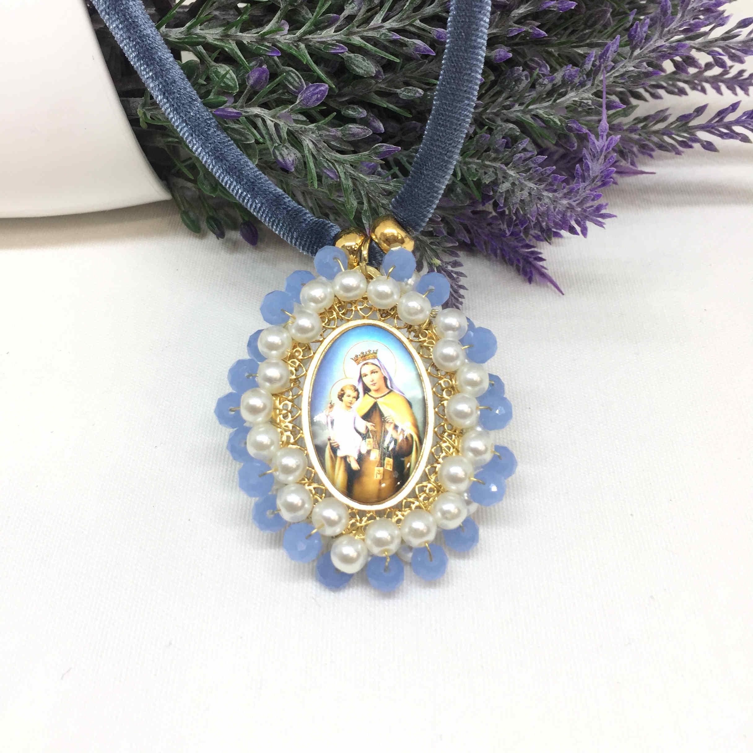 Collar medalla Virgen del Carmen con cordón.