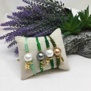 Pulsera hilo perla con inicial