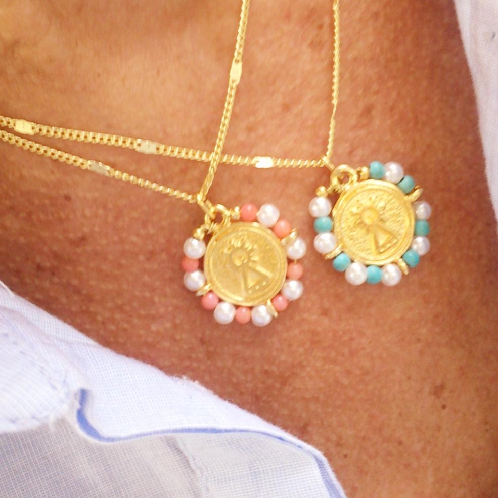 Gargantilla virgen Covadonga piedras y perlas